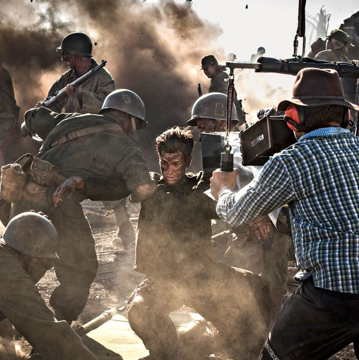How Hacksaw Ridge A True Life Story Of A Hero Pacifist Became Mel Gibson S Goriest Movie Yet