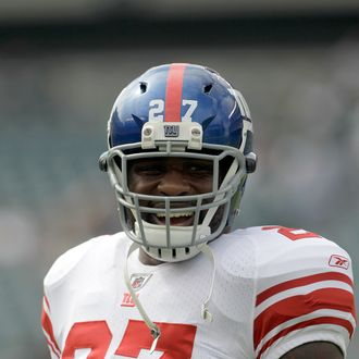 PHILADELPHIA, PA - SEPTEMBER 25: Brandon Jacobs #27 of the New York Giants warms up before the start of the Giants game against the Philadelphia Eagles at Lincoln Financial Field on September 25, 2011 in Philadelphia, Pennsylvania. (Photo by Rob Carr/Getty Images)