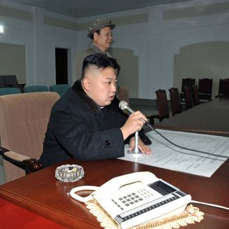 This picture taken by North Korea's official Korean Central News Agency (KCNA) on December 12, 2012 shows North Korean leader Kim Jong-Un giving the final order for the launch of the Unha-3 rocket, carrying the satellite Kwangmyongsong-3, at the general satellite control and command center in Pyongyang. Hundreds of thousands of North Korean soldiers and civilians rallied on December 14 in the centre of Pyongyang for a mass celebration of the country's long-range rocket launch, state television showed. AFP PHOTO / KCNA vis KNS ---EDITORS NOTE--- RESTRICTED TO EDITORIAL USE - MANDATORY CREDIT