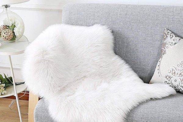 Faux Fur Sheepskin Rug 75 x 120 cm