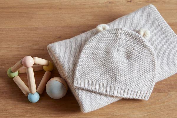 Parachute Cashmere Baby Gift Set Baby Blanket + Hat