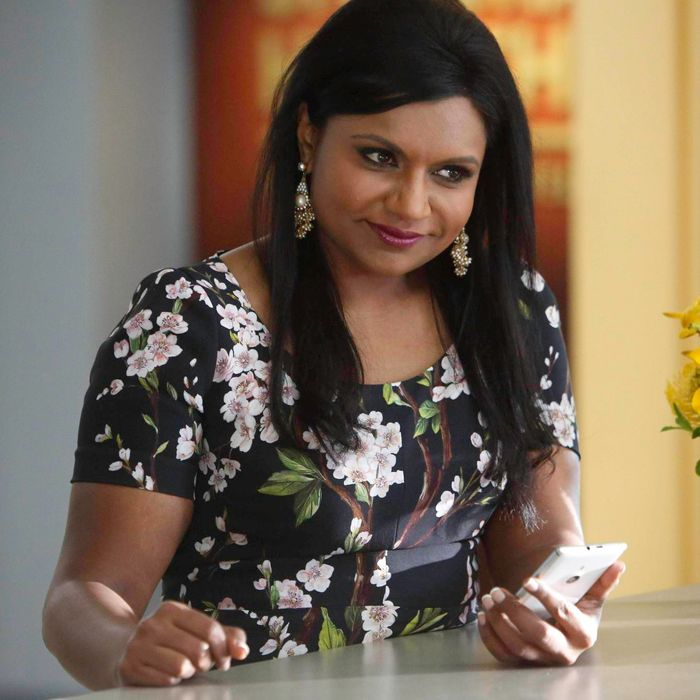 THE MINDY PROJECT: Mindy (Mindy Kaling) corresponds with a mystery man in the