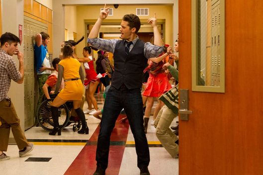 "GLEE: Will (Matthew Morrison) twerks down the hallway in ""The End of Twerking"" episode of GLEE airing Thursday, Nov. 14 (9:00-10:00 PM ET/PT) on FOX."
