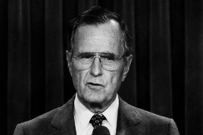Bush sr accused of groping during 1992 reelection campaign