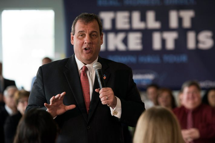 New Jersey Governor Chris Christie Holds Town Hall Meeting In Iowa