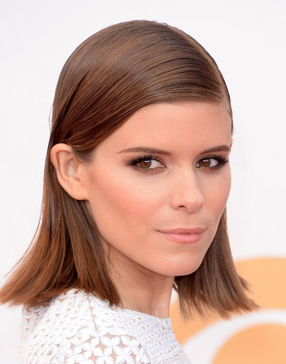 Mara's new short hair was styled into a slicked-back, futuristic grungy-feeing lob.