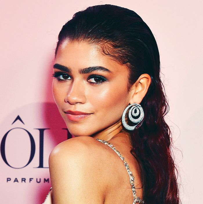 Zendaya Is The New Face Of Lancome S New Idole Fragrance