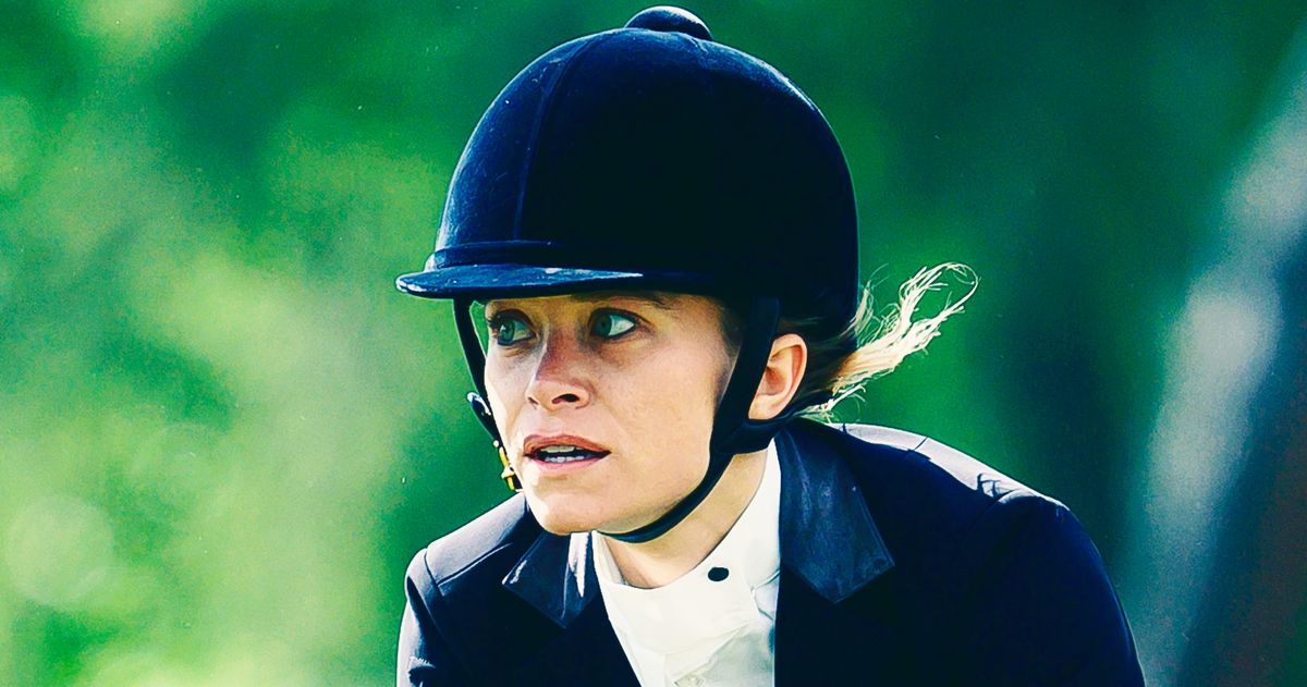 Mary-Kate Olsen Takes Her Horse to the Olde Towne Road