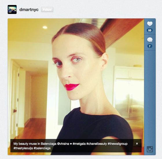 @DmartNYC opted for Chanel's lipstick in Pirate, a brilliant crimson, as Vanessa Traina's sole pop of bold color.
