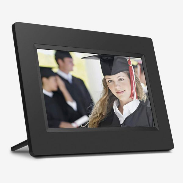 Aluratek 7-Inch LCD Digital Photo Frame With Auto Slideshow