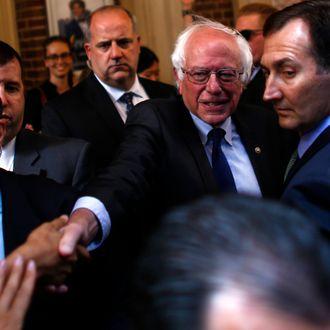 US-POLITICS-ELECTION-DEMOCRATS-SANDERS