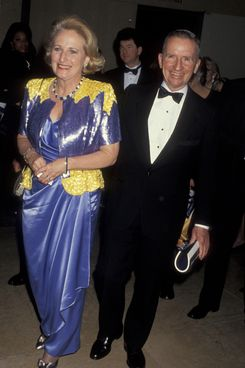 Businessman Ross Perot and wife Margot Birmingham attend 21st Annual American Film Institute Lifetime Achievement Awards Honoring Elizabeth Taylor on March 10, 1993 at the Beverly Hilton Hotel in Beverly Hills, California.