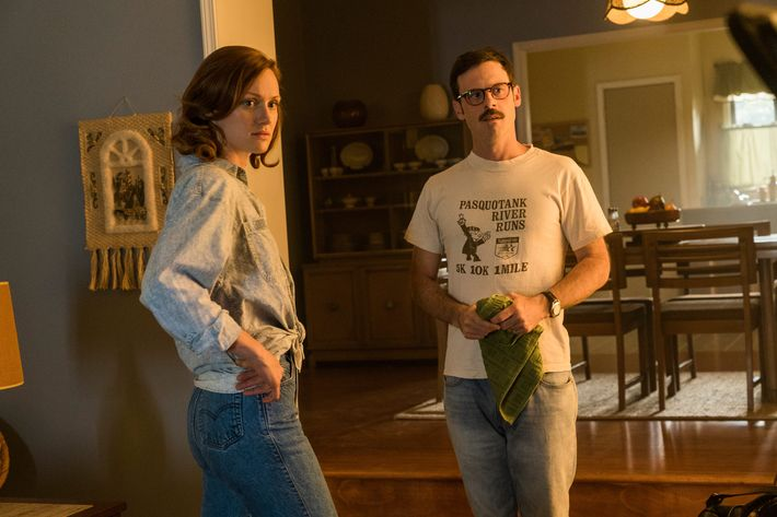 Kerry Bishe as Donna Clark, Scoot McNairy as Gordon Clark - Halt and Catch Fire _ Season 3, Episode 6  - Photo Credit: Tina Rowden/AMC