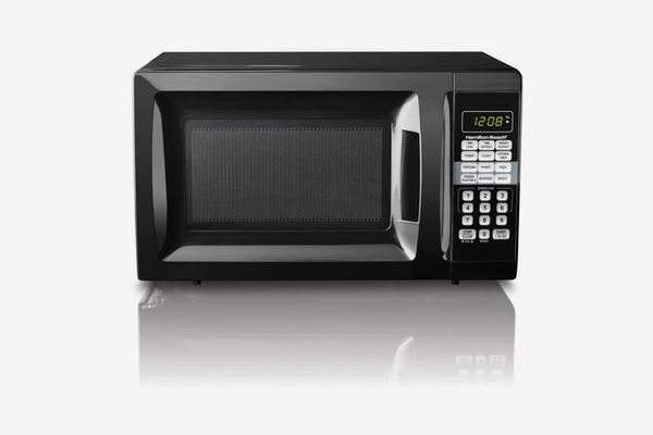 Hamilton Beach 0.7 cu ft Microwave Oven, Black
