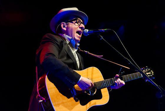 TILBURG, NETHERLANDS - JULY 19: Elvis Costello performs on stage at 013 on July 19, 2013 in Tilburg, Netherlands. (Photo by Dimitri Hakke/Redferns via Getty Images)