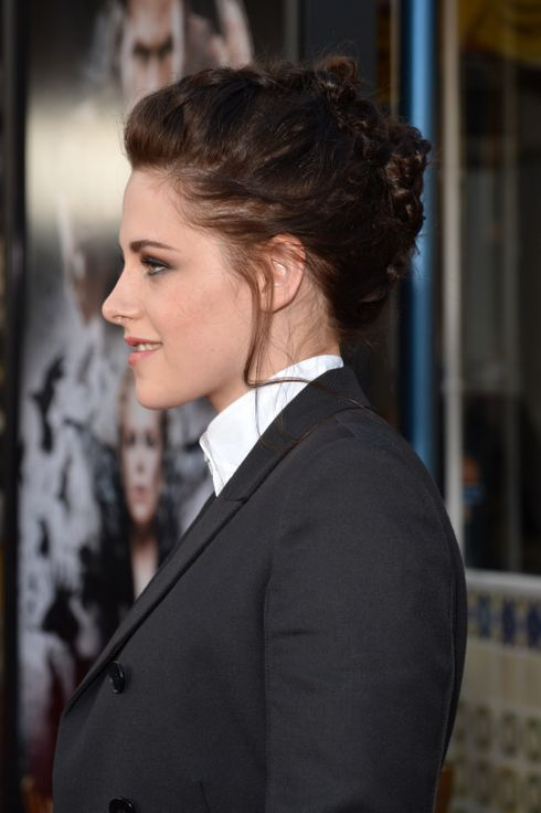 "LOS ANGELES, CA - MAY 29:  Actress Kristen Stewart arrives at the screening of Universal Pictures' ""Snow White and the Huntsman"" held at Westwood Village on May 29, 2012 in Los Angeles, California.  (Photo by Lester Cohen/WireImage)"