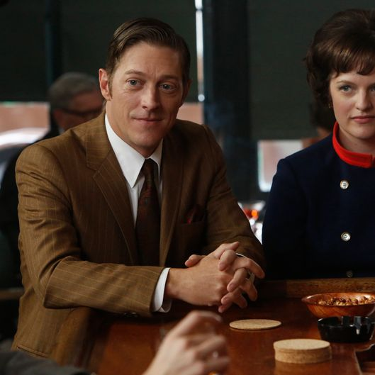 Ted Chaough (Kevin Rahm) and Peggy Olson (Elisabeth Moss) - Mad Men - Season 6, Episode 4 - Photo Credit: Jordin Althaus/AMC