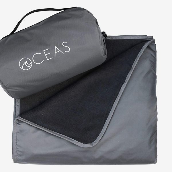 Oceas Outdoor Waterproof Picnic Blanket Warm