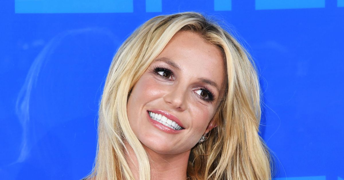 Britney spears fake facial