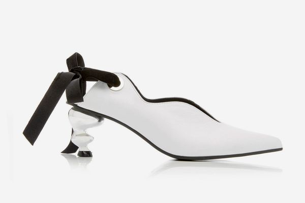 Yuul Yie Velvet-Trimmed Bow-Detailed Leather Pump
