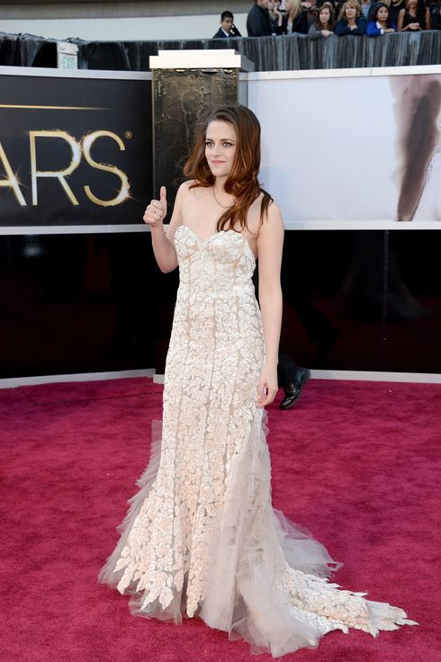Actress Kristen Stewart arrives at the Oscars at Hollywood & Highland Center on February 24, 2013 in Hollywood, California.
