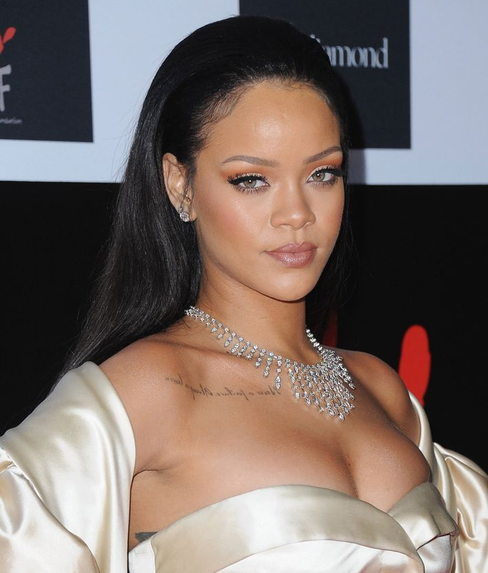 Rihanna News And Photos: Inside The Casting Call For Rihanna's New Beauty Line, Fenty