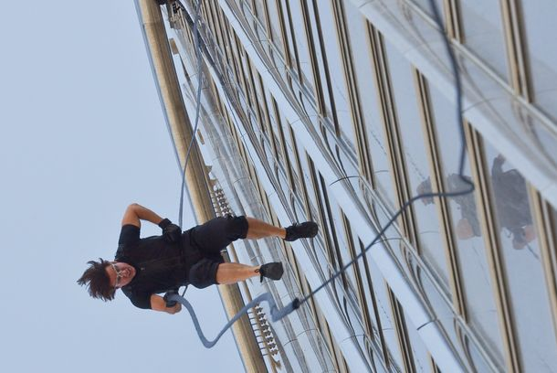 Tom Cruise plays Ethan Hunt in MISSION: IMPOSSIBLE – GHOST PROTOCOL, from Paramount Pictures and Skydance Productions.