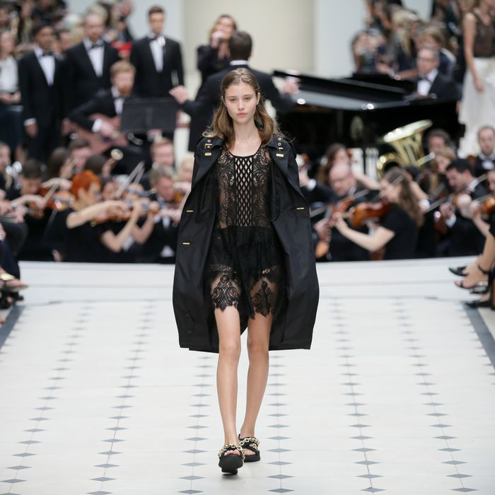 One of the looks at Burberry Prorsum's spring 2016 show.