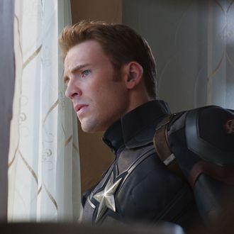 Marvel's Captain America: Civil WarCaptain America/Steve Rogers (Chris Evans)Photo Credit: Film Frame© Marvel 2016