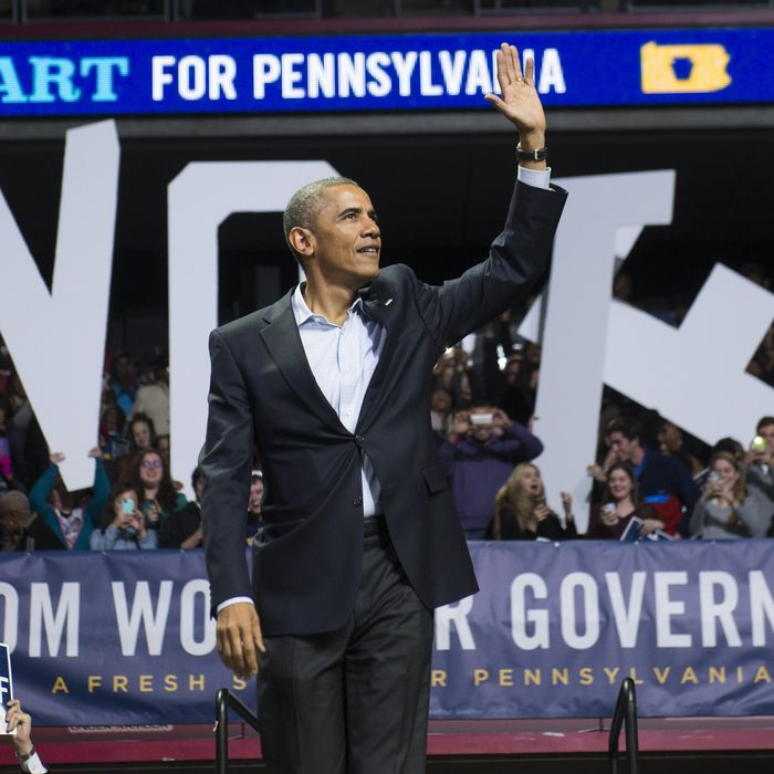 US President Barack Obama arrives to speak at a campaign rally for Tom Wolf, Democratic candidate for Pennsylvania Governor, at the Liacouras Center at Temple University in Philadelphia, Pennsylvania, November 2, 2014.