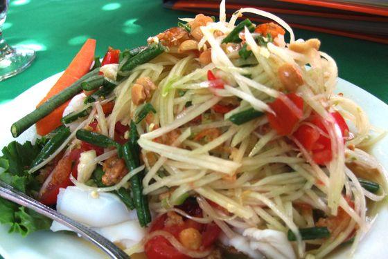 Sripraphai's papaya salad looks innocent enough ...