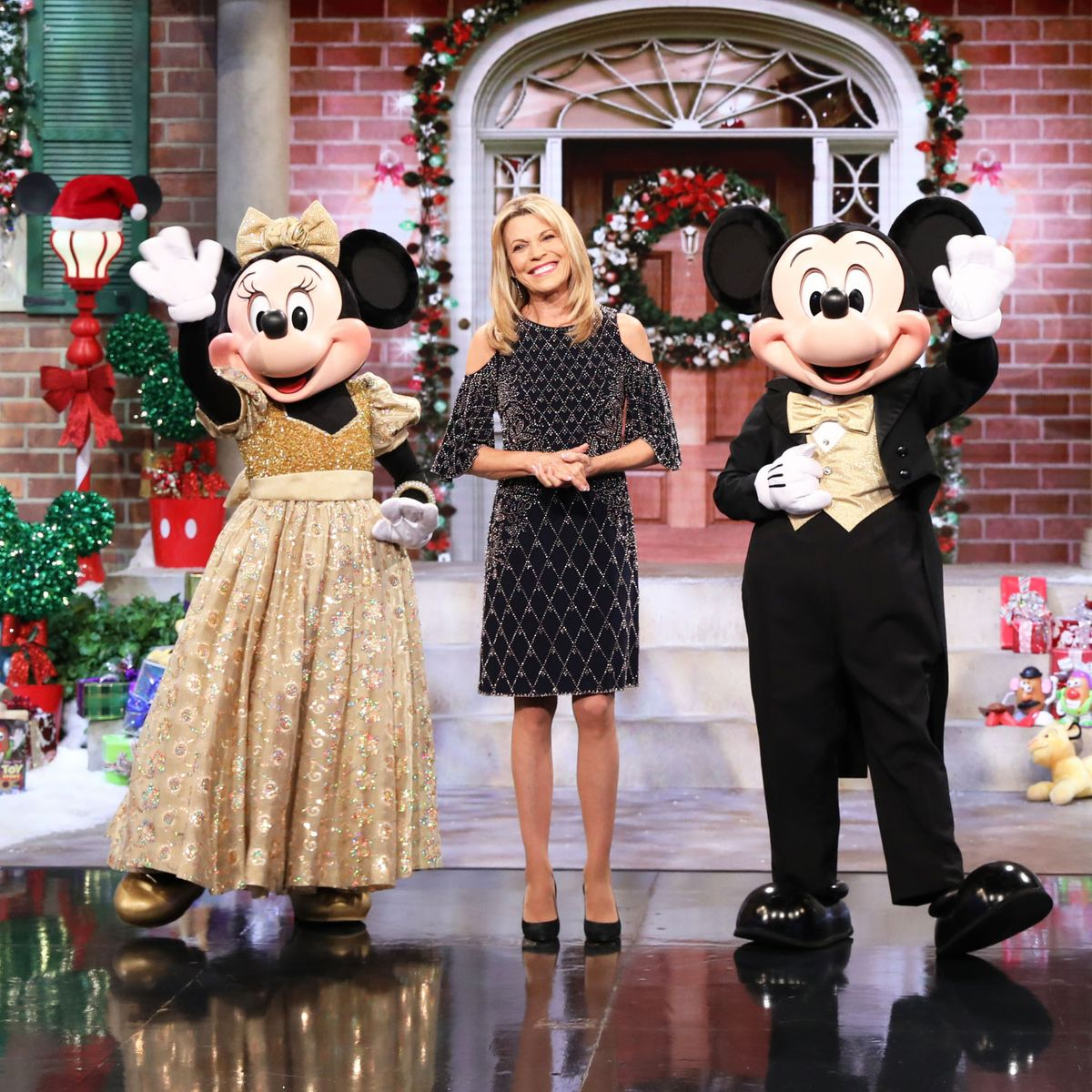 Interview Vanna White On Hosting Wheel Of Fortune