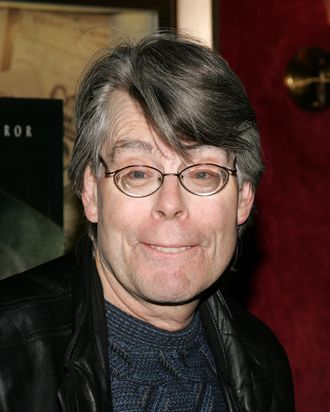 NEW YORK - NOVEMBER 12: Writer Stephen King arrives at the premiere of