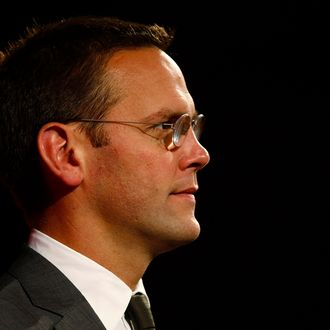 BSkyB Chairman James Murdoch, who is also head of News Corp in Europe and Asia, rehearses for his James MacTaggert Memorial lecture as part of the Media Guardian Edinburgh International TV Festival in Edinburgh, Scotland August 28, 2009. REUTERS/David Moir (BRITAIN MEDIA SOCIETY BUSINESS)
