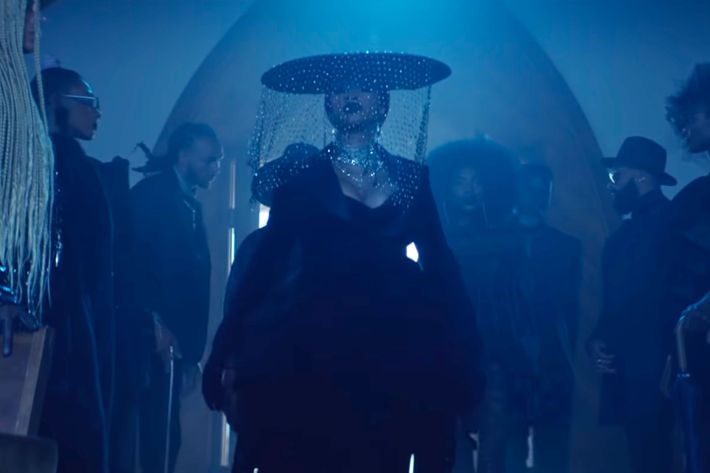 The Best Looks From Cardi B S Be Careful With Me Video