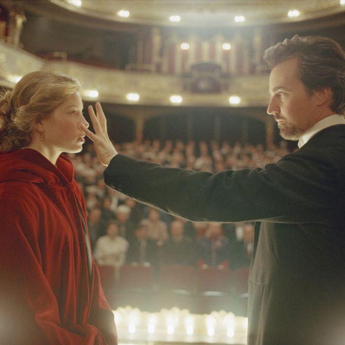 Jessica Biel and Edward Norton, <em>The Illusionist</em>.