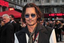 """Actor Johnny Depp attends the""""Dark Shadows"""" European film premiere at the Empire Leicester Square on May 9, 2012 in London, England."""