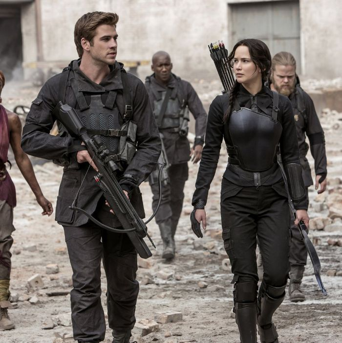 what is everyone saying about the hunger games mockingjay part 1