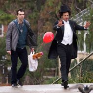 "MAN SEEKING WOMAN -- ""Balloon"" -- Episode 210 (Airs Wednesday, March 9, 10:30 pm e/p) Pictured: (l-r) Jay Baruchel as Josh, Eric Andre as Mike.CR: Michael Gibson/FX"