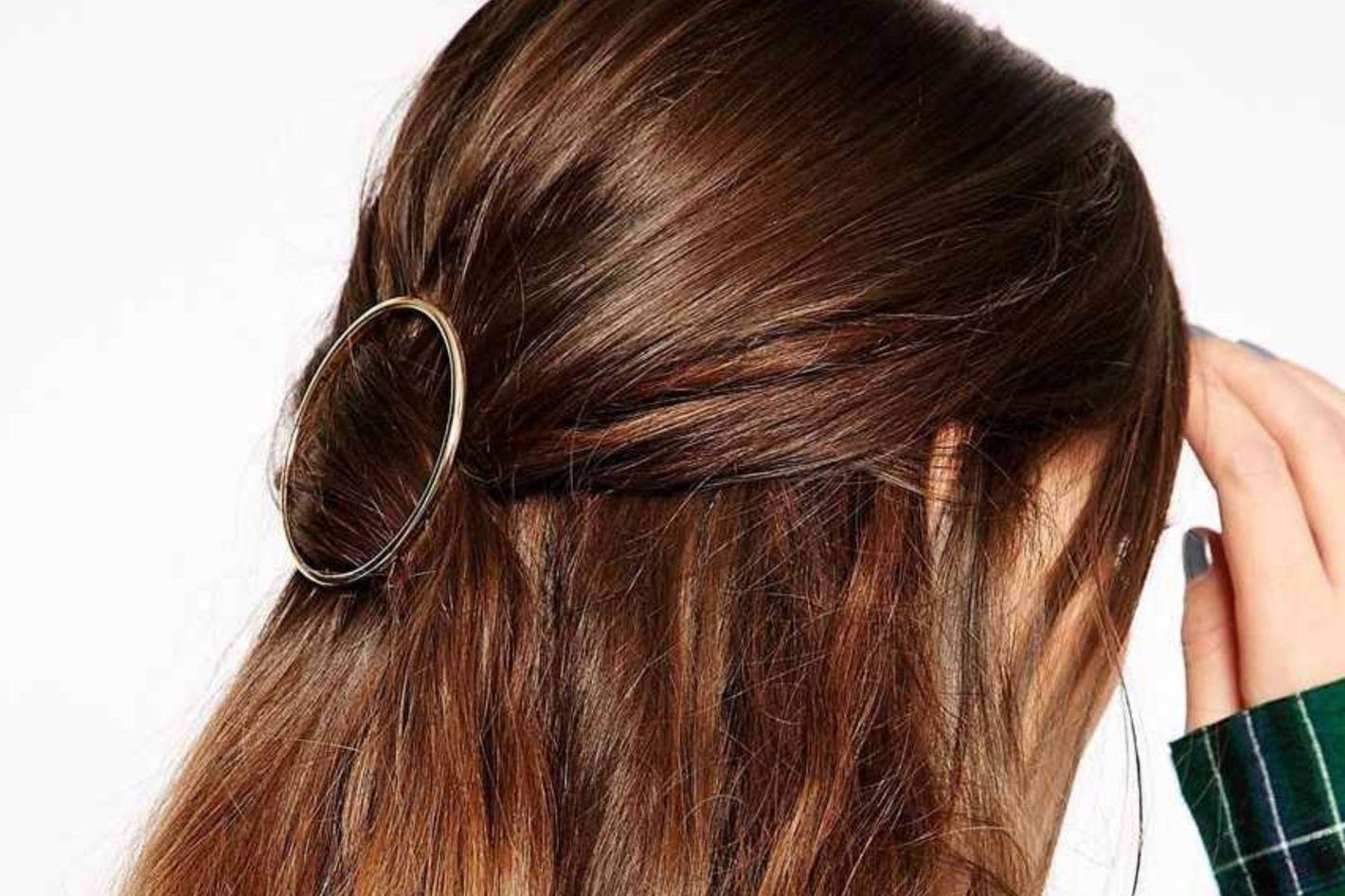 AKOAK Hollow Hoop Round Hair Clip