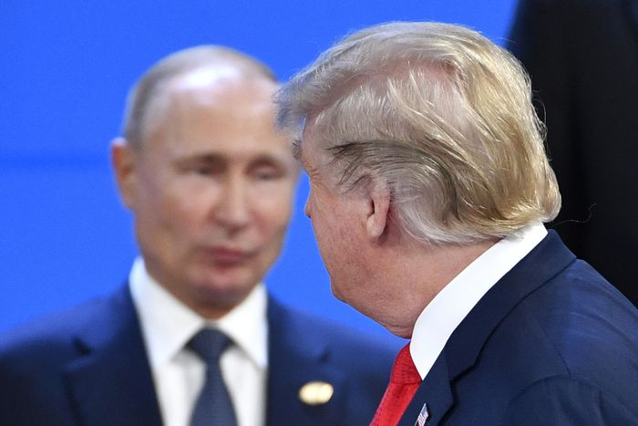 New York Times: Trump is a Russian Asset 12-putin-trump-from-side.w700.h467