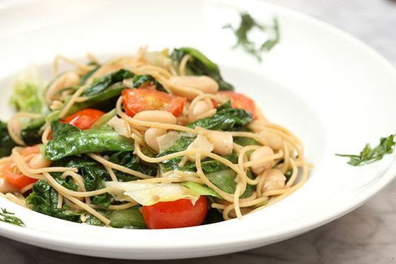 Whole-wheat spaghetti, escarole, cannellini beans, tomatoes, garlic oil brodino