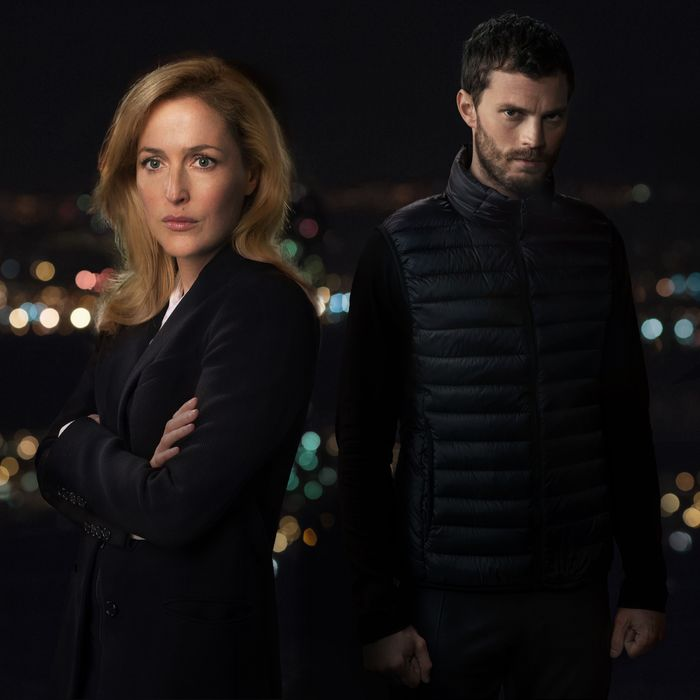 Gillian Anderson as Stella Gibson, Jamie Dornan as Paul Spector.