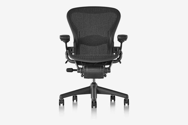 Herman Miller Classic Aeron Chair (Renewed)