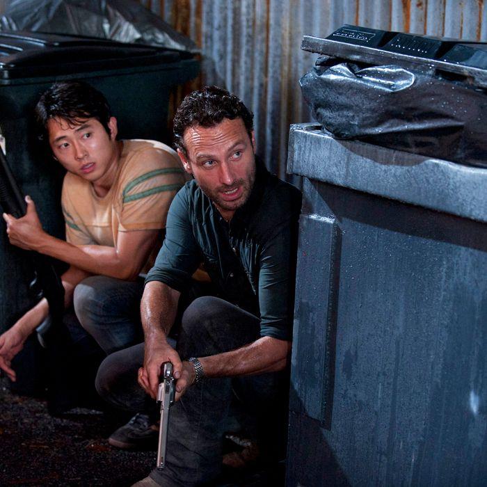 Glenn (Steven Yeun) and Rick Grimes (Andrew Lincoln) - Walking Dead - Season 2, Episode 9 - Photo Credit: Gene Page/AMC
