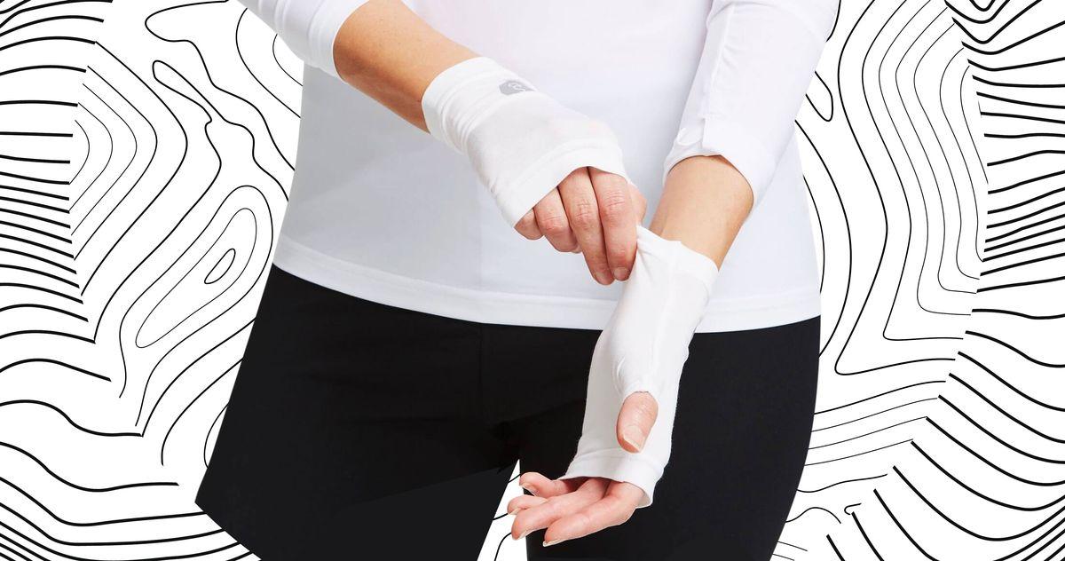 01e194f567c6e7030bc009b9fc4c1c60c2 manicure glove swellness 2 1x rsocial w1200.