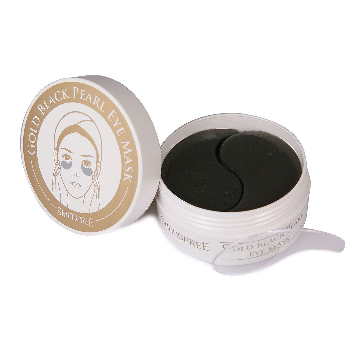 Les masques des taches de pigment sur la personne après les boutons