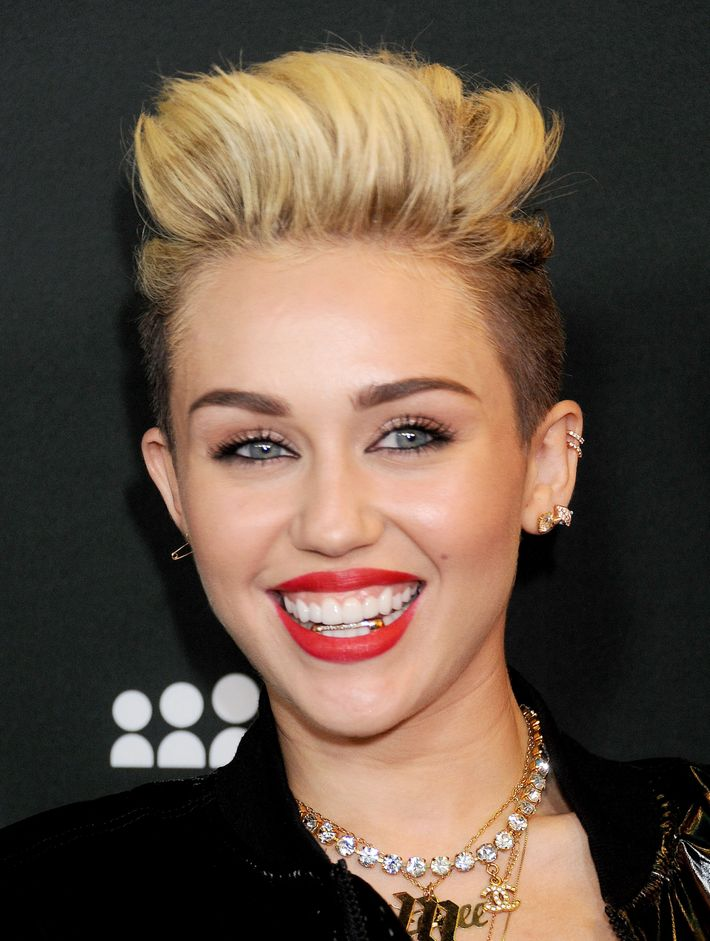 Grillz Have Risen, But Do They Harm Your Teeth?