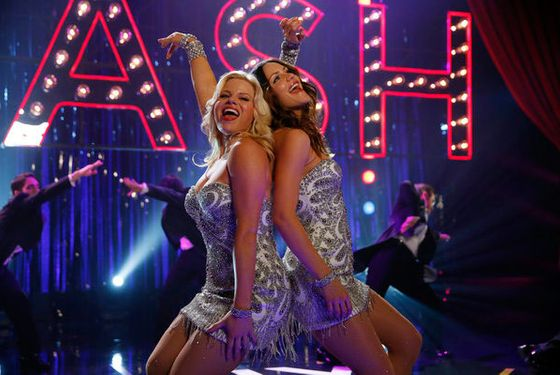 "SMASH -- ""The Tonys"" Episode 217 -- Pictured: (l-r) Megan Hilty as Ivy Lynn, Katharine McPhee as Karen Cartwright  -- (Photo by: Will Hart/NBC)"