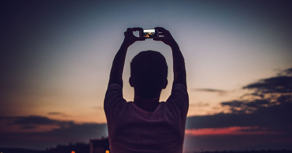 How Taking Photos Affects Your Memory of the Moment Later On